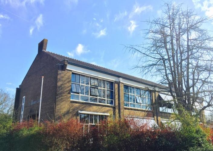 schoolgebouw exterieur